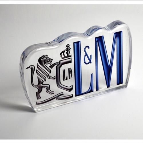PLV: Metacrilato para L&M